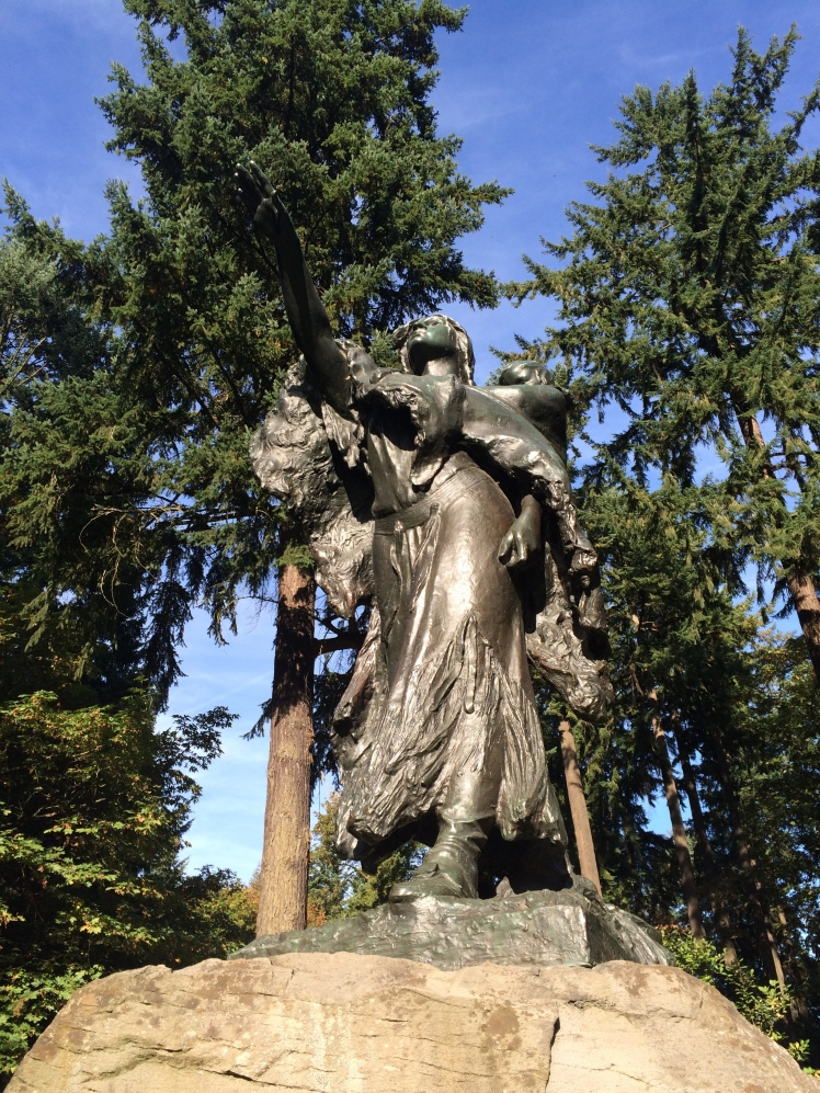 Bronze statue of Sacajawea, unveiled in 1905