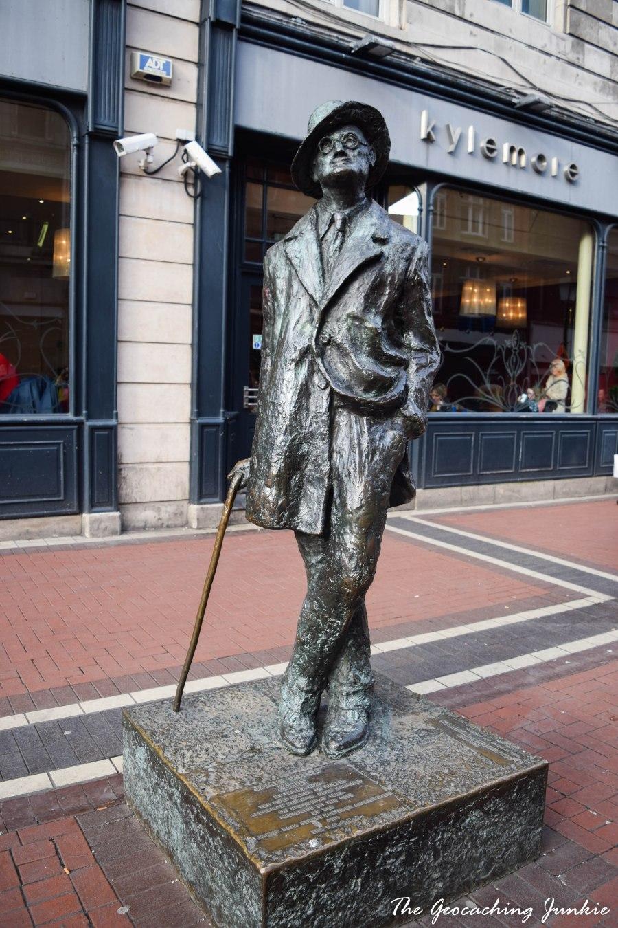 JOYCE STATUE DUBLIN-