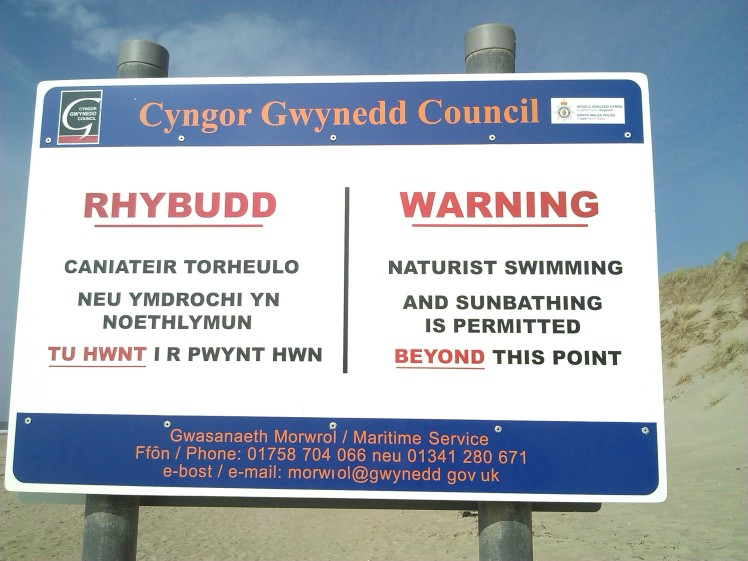 morfa_dyffryn_naturist_beach_sign