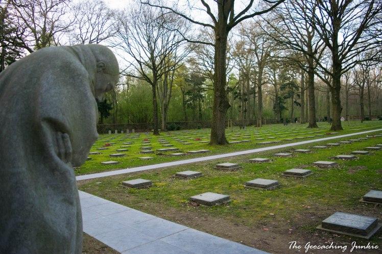 The Geocaching Junkie: Vladslo German Cemetery